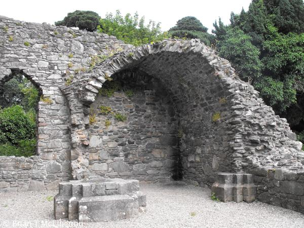 Remains of Vaulting in one of the E chapels